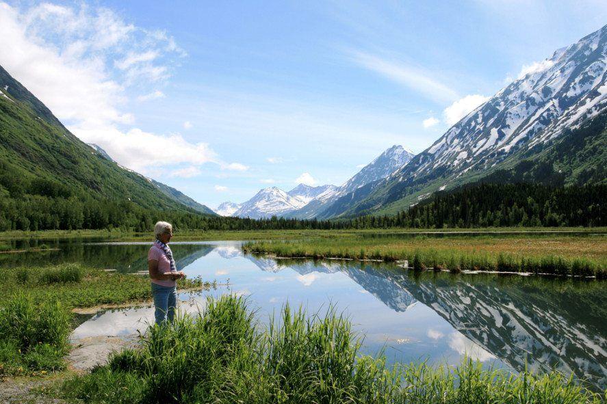 Jeff King Husky Homestead Sled Dog Tour Alaska Tours in