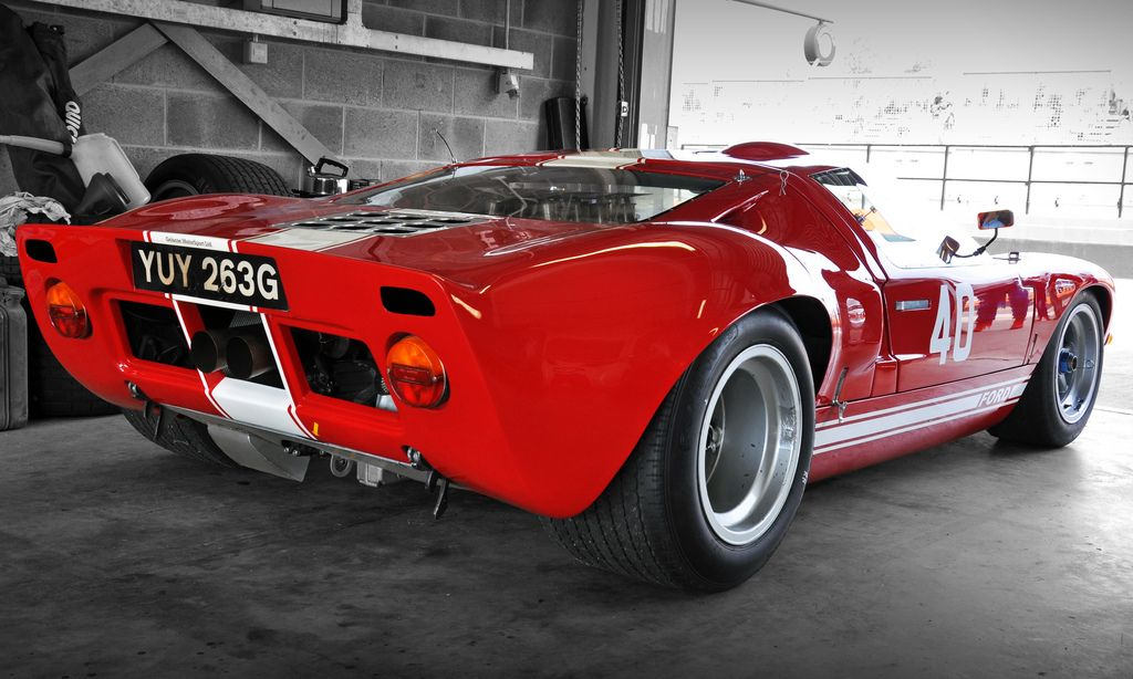 Chris Ball S Ford Gt40 No 40 Donington Pit Garage Photographed By Dave Rook Click On Photo For High Res Image Photo Found Ford Gt40 Ford Racing Ford Gt