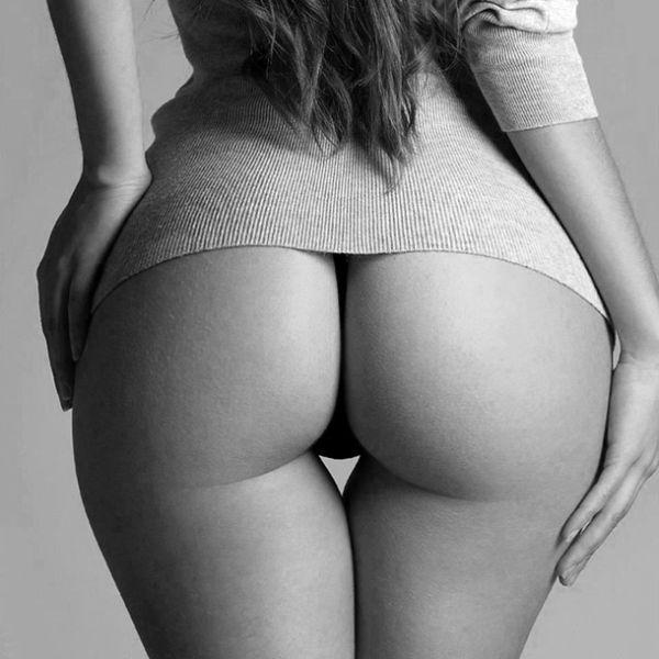 Girls thigh gaps