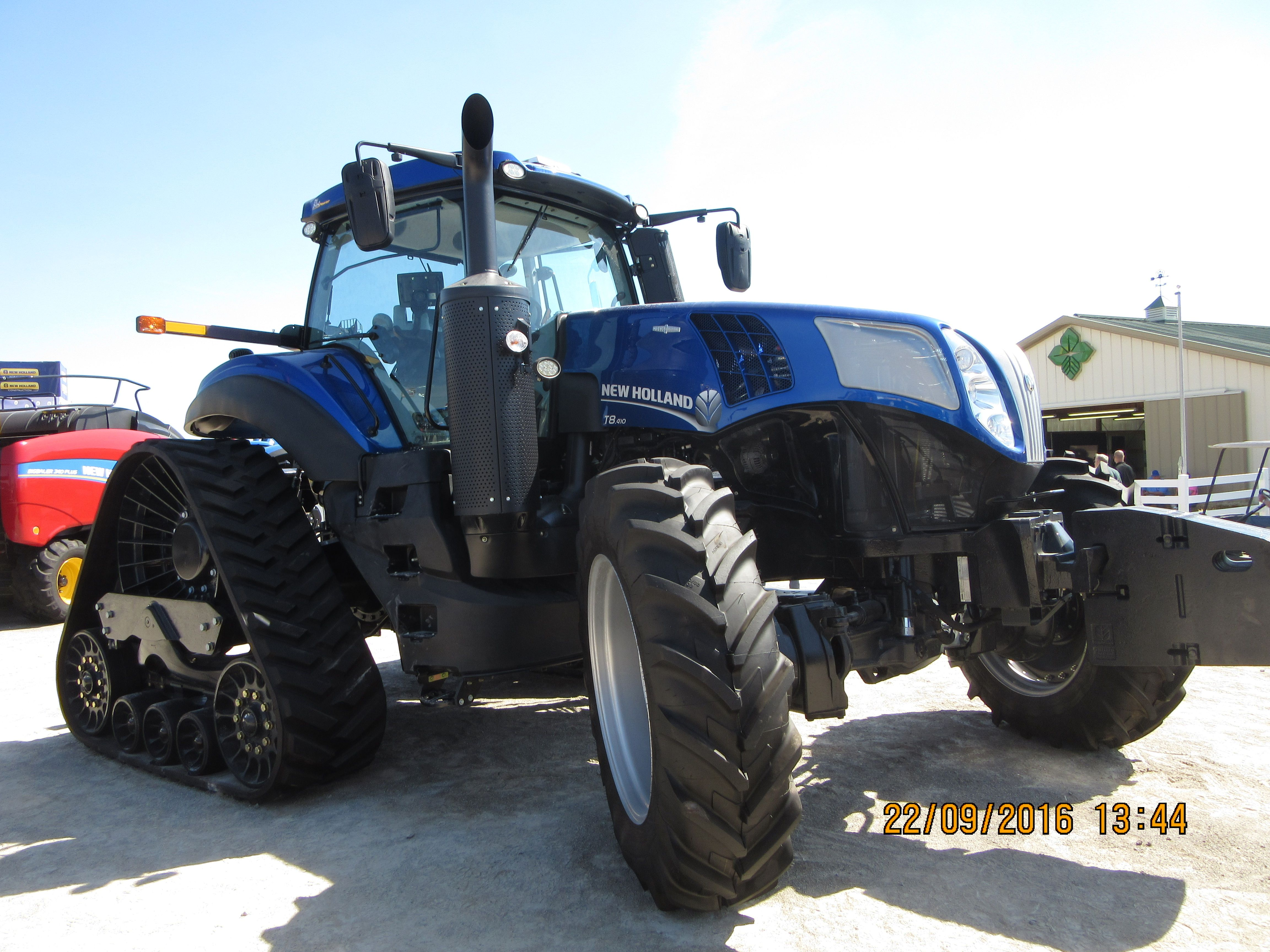 New Holland T8 410 Smart Trax New Holland Agriculture New Holland Tractors
