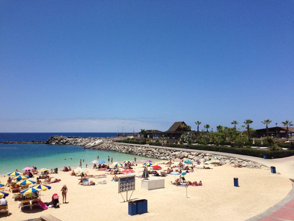 Playa De Amadores Resor