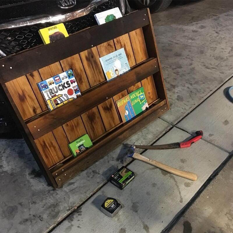 9 Creative Wood Pallet Bookshelf Plans on   Bookshelves ...