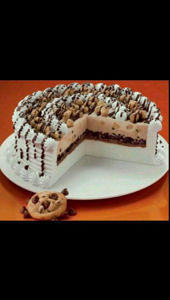 Dairy Queens Chocolate Chip Cookie Dough Blizzard Cake Want This For My Birthday Ill Probably Get
