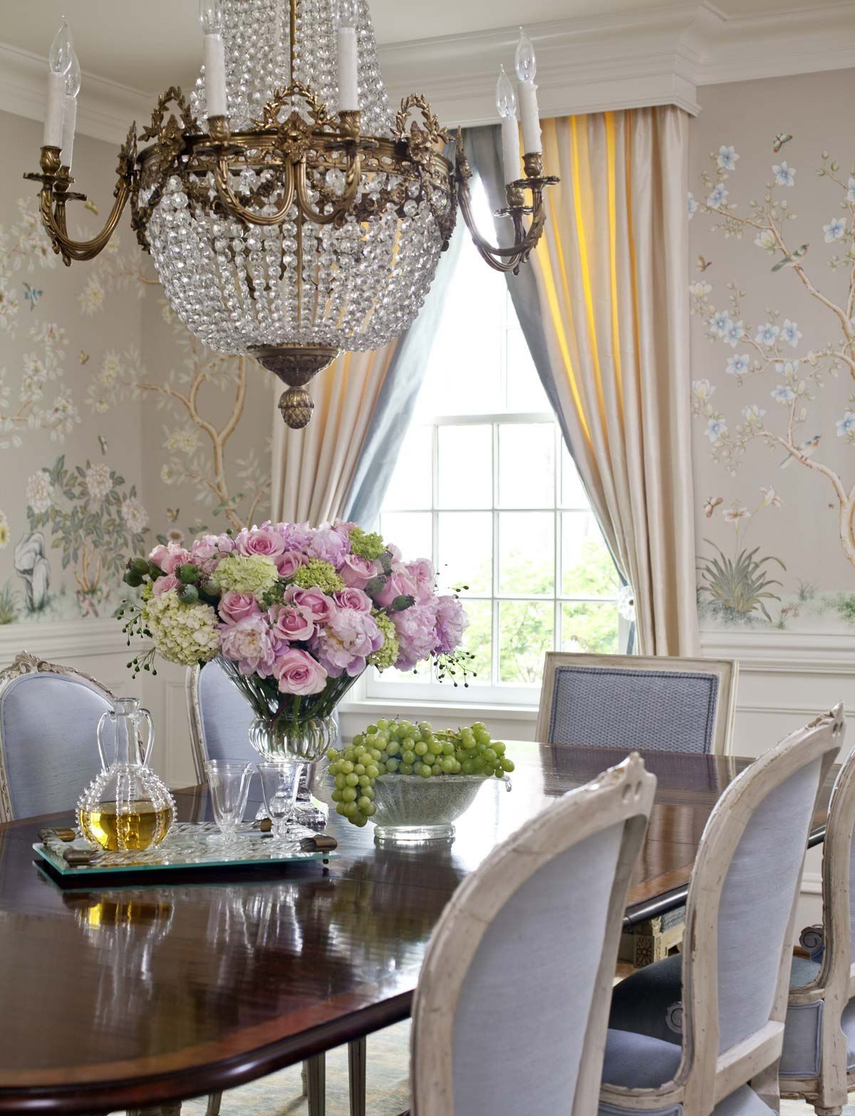 lovely dining room exudes relaxation and lightness
