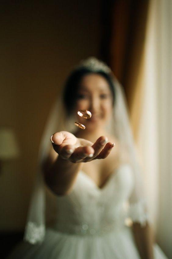 40+ CREATIVE ROMANTIC WEDDING PHOTOGRAPHY IDEAS