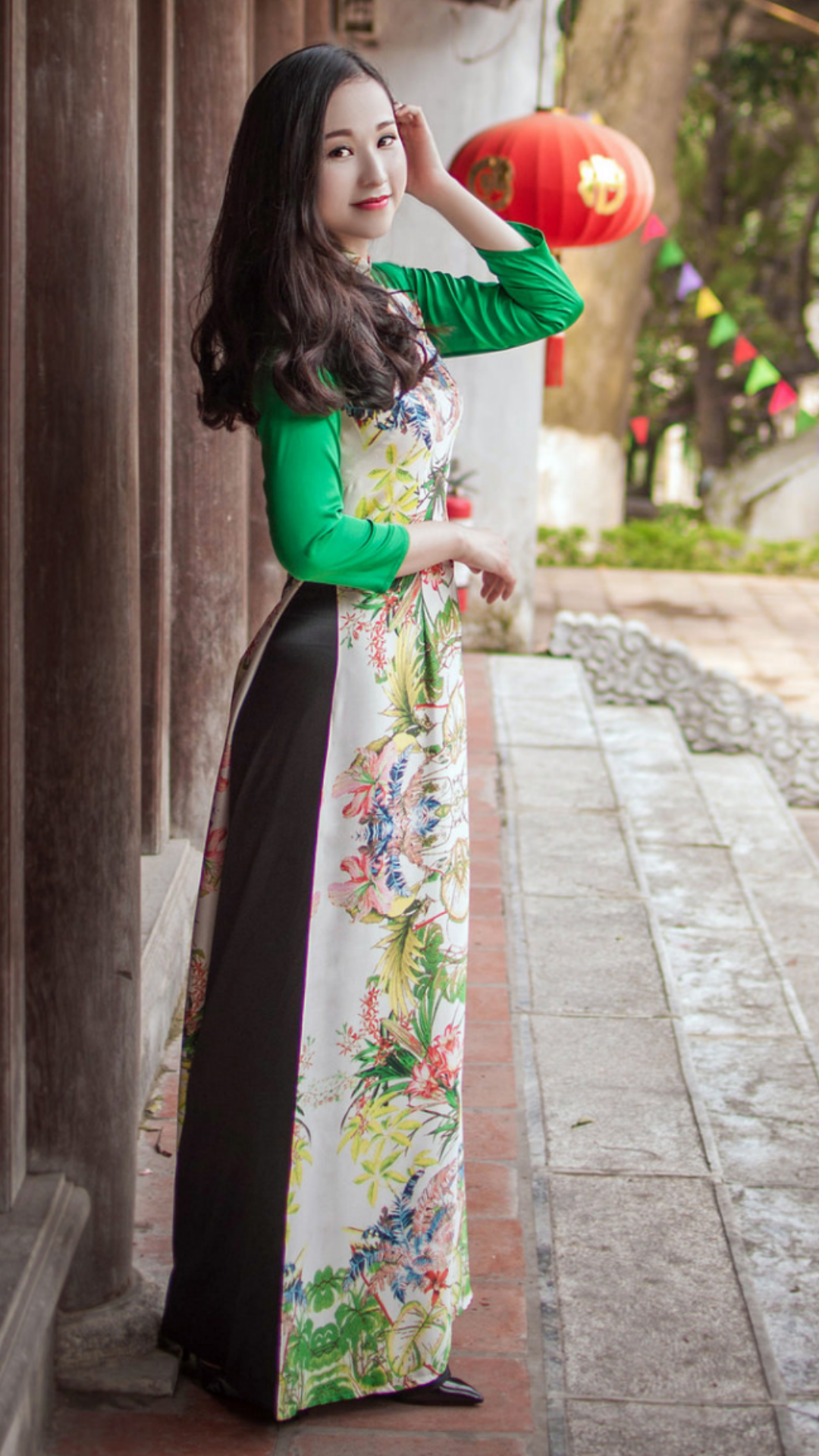 Vietnamese long dress Áo dài, Phụ nữ