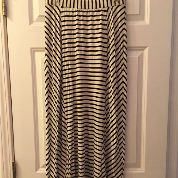 Black and off white maxi skirt Hardly worn. Stripped maxi Skirts Maxi