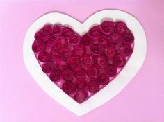 DIY Tutorial: Valentine / DIY Paper Heart Wreath - Valentines Day decoration - Createsie