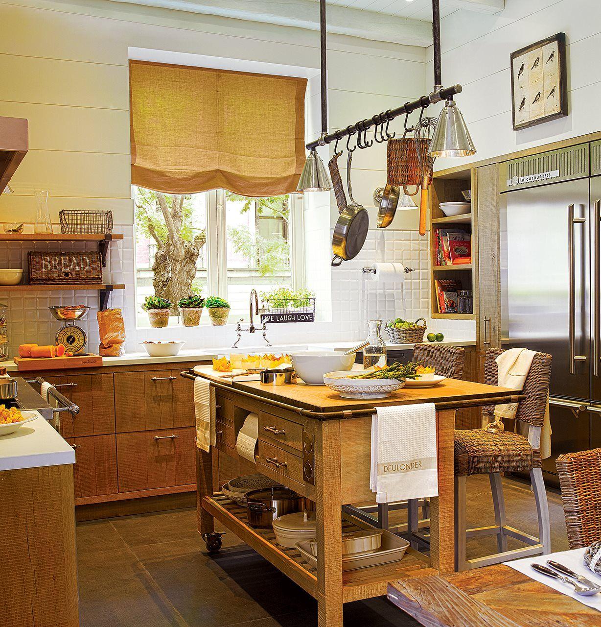 Una cocina de campo en la ciudad | Cocina de campo, En la ciudad y ...