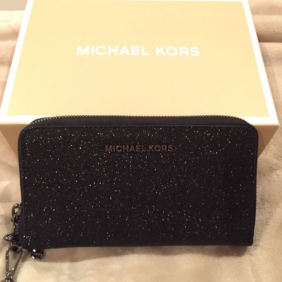 74dcadfda61 Shop Women's KORS Michael Kors Black size OS Wallets at a discounted price  at Poshmark.