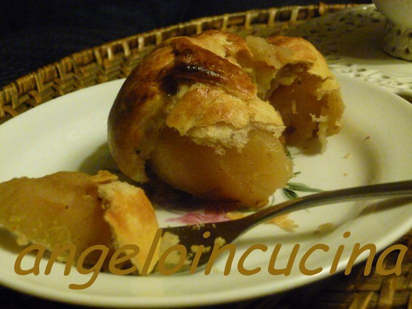 Dessert da servire tiepido: mele in cialda sottilissima alla liquirizia