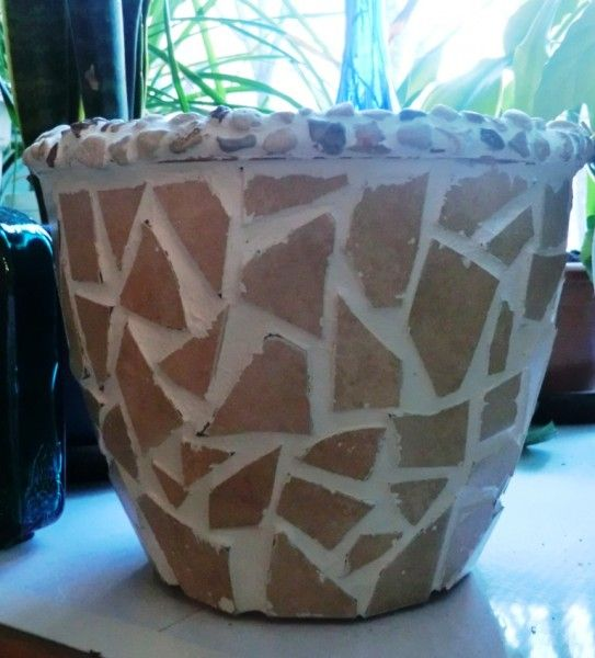 The best way to decorate plastic pots
