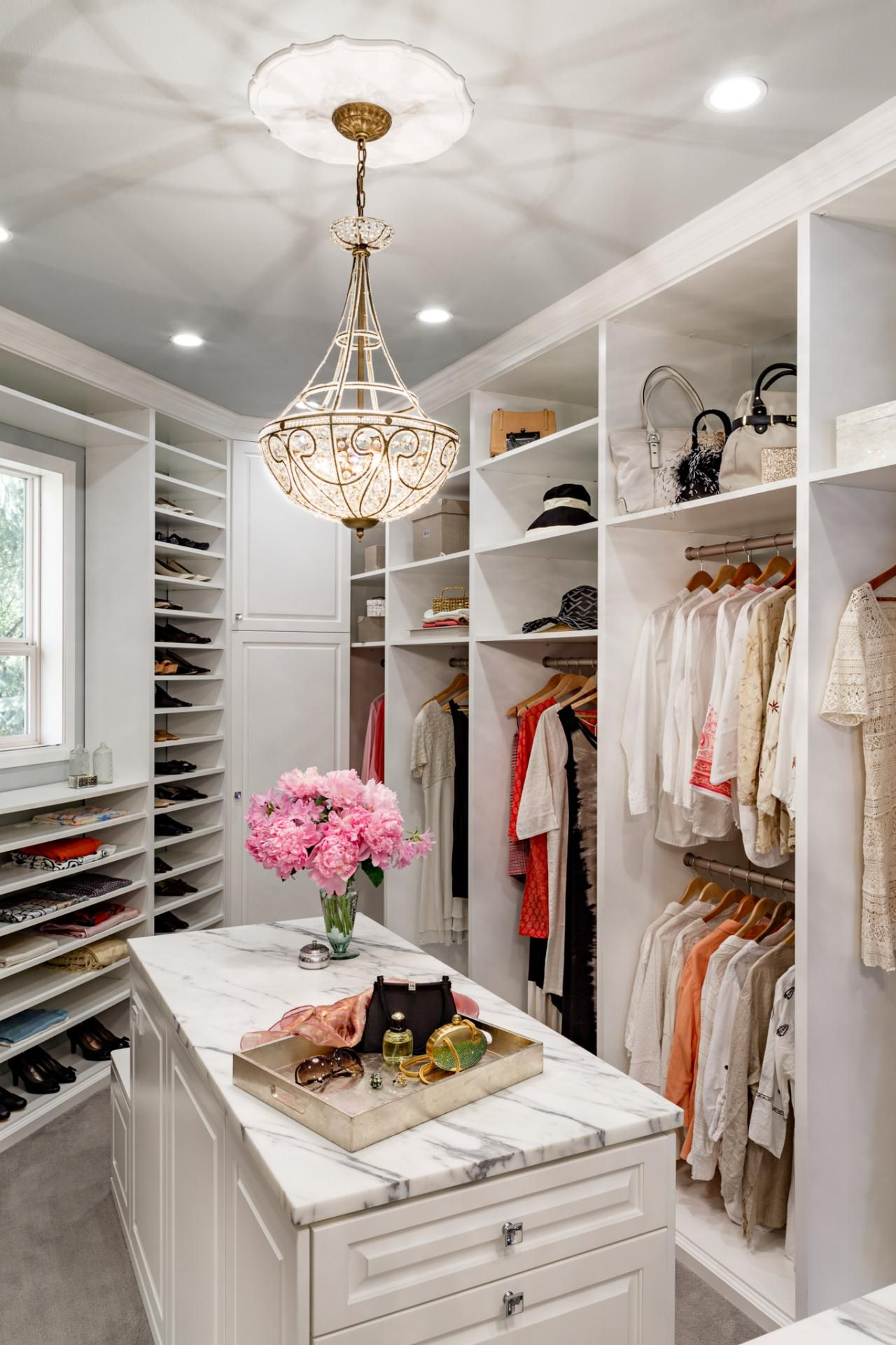 I Seriously Want Fresh Flowers In My Walk In Closet... Wait.. First I Need  A Walk In Closet... 19 Luxury Closet Designs | Decorating And Design Ideas  For ...