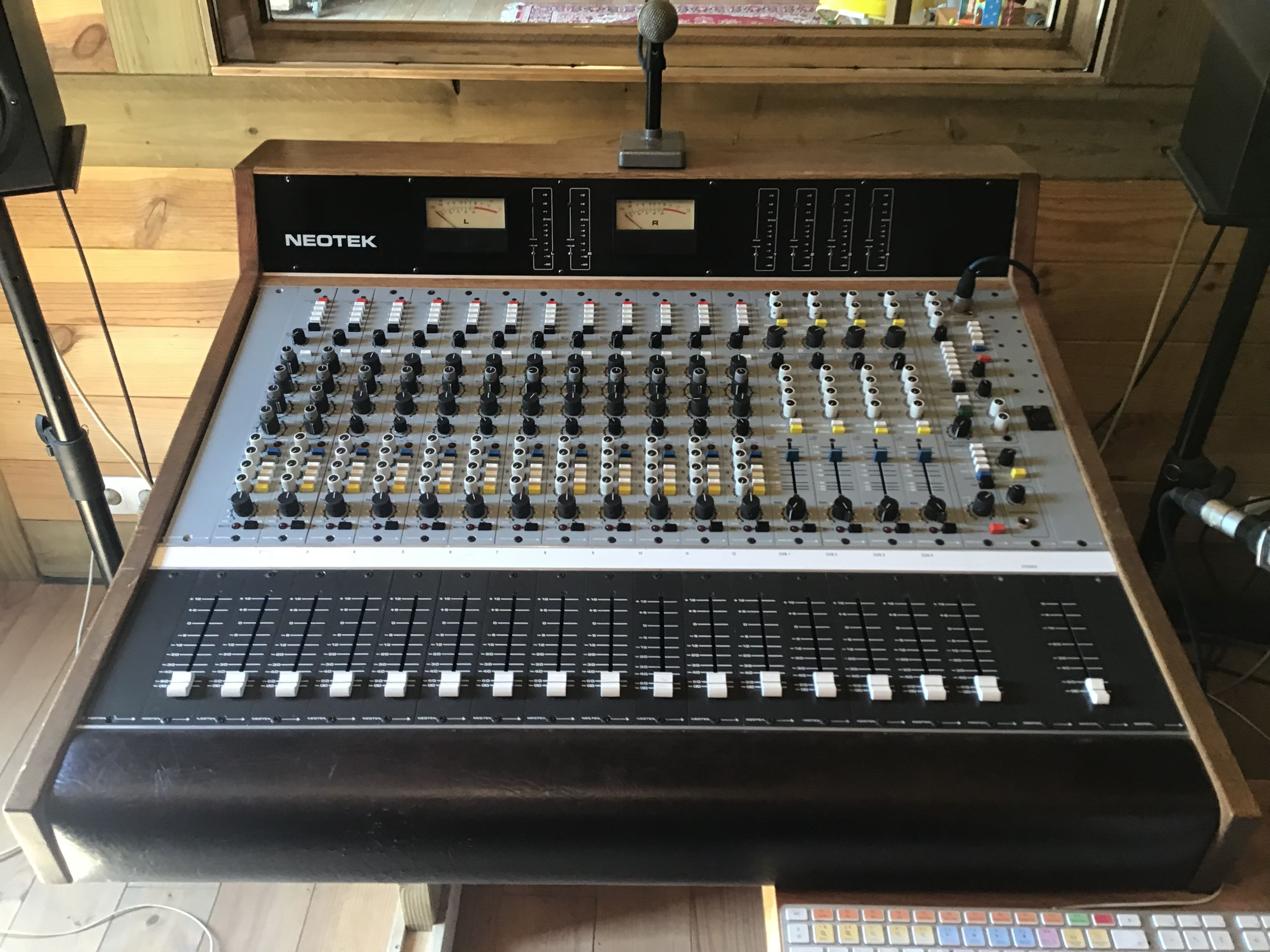 Series 1e Neotek Series 1e Audiofanzine Recording Equipment