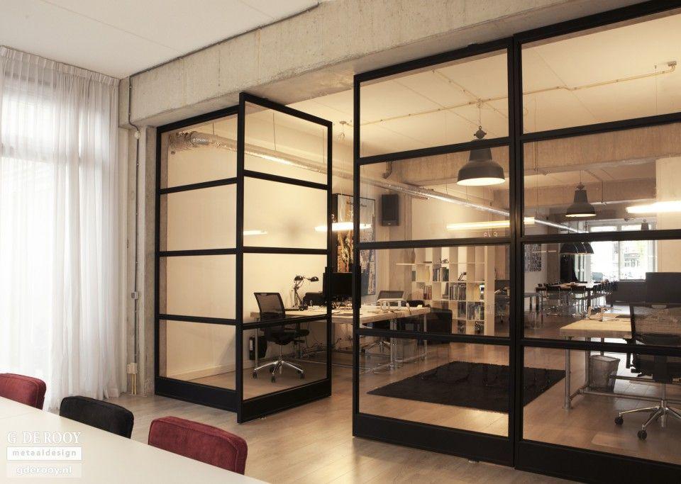Glazen zwart metalen scheidingswand voor videslaapkamer