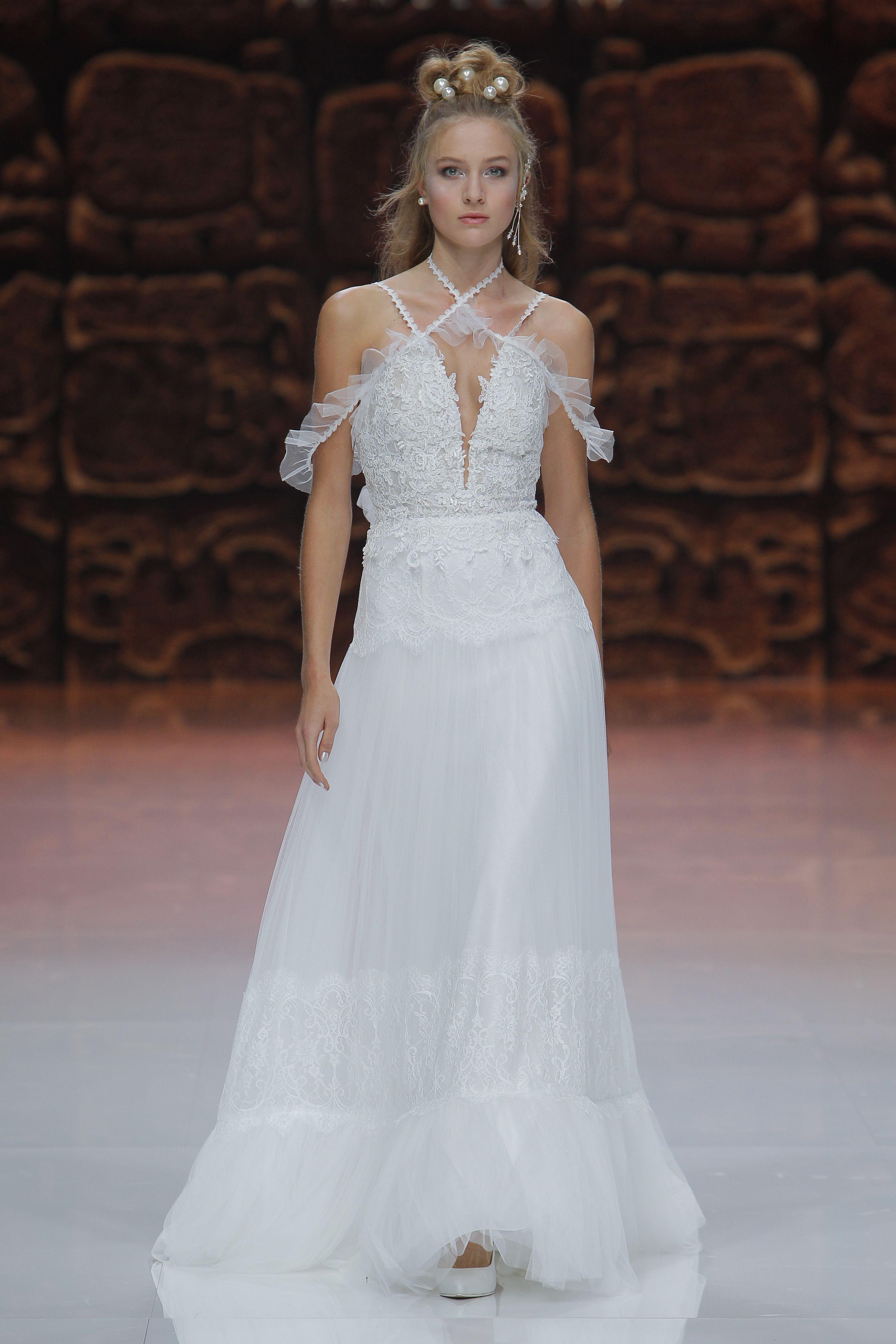 Vestidos de novia Barcelona   Dios del amor, Inmaculada y Lleno