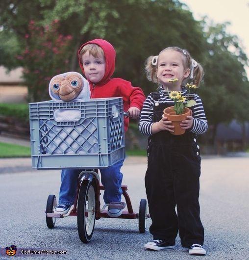 ET, Elliot & Gertie - Halloween Costume Contest at Costume-Works.com