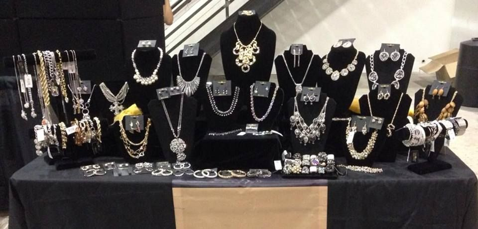 Traci Lynn Jewelry Book Me For A Home Show Book Show Or Vendor
