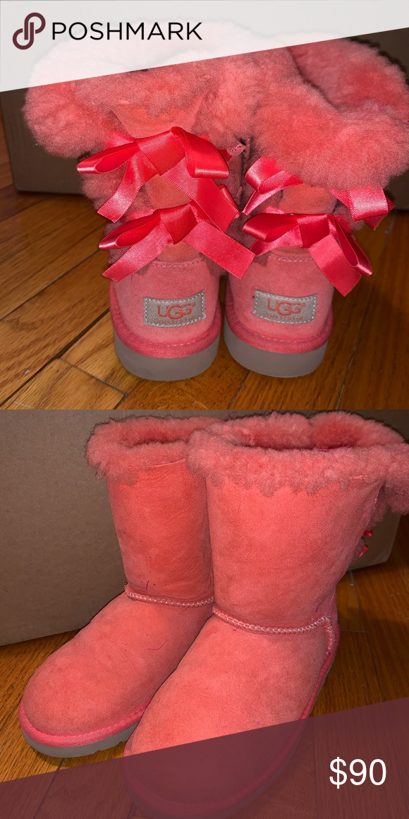 1 pair of toddler girls size 6 UGG Boots. Barely worn. My