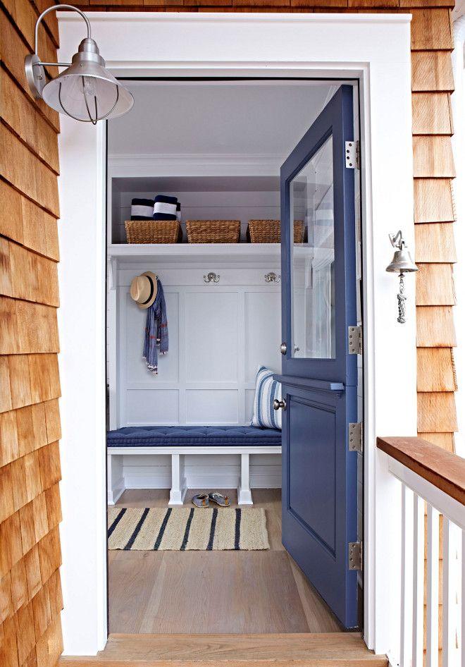 Navy blue front door paint color. Navy door. Blue front door. Navy blue front door paint color Benjamin Moore 832 Blue Heron #BenjaminMoore832BlueHeron #Navy #Blue #frontdoor #paintcolor #BenjaminMooreBlueHeron Chango & Co.