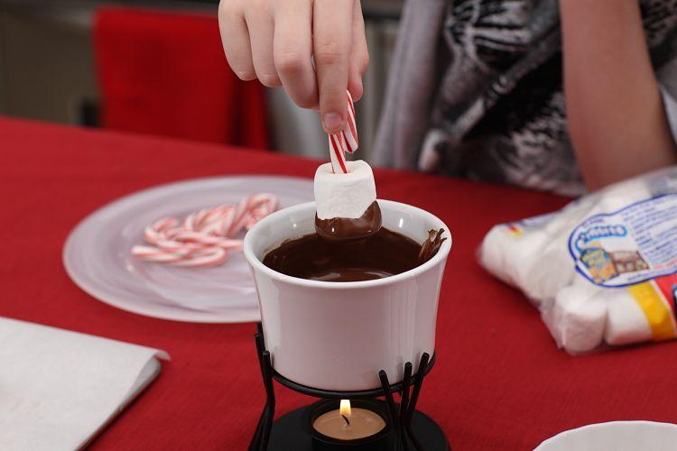 Enter to #win a #Swissmar Chocolate Fondue @modernmrscleaver