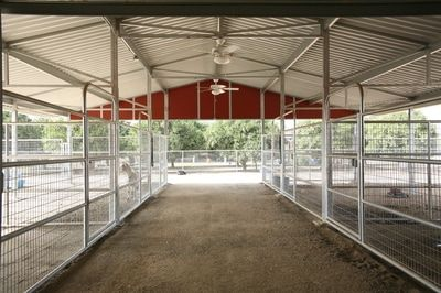Round Pens , Mare Motels and Loafing Sheds - NorCal Structures, Inc.
