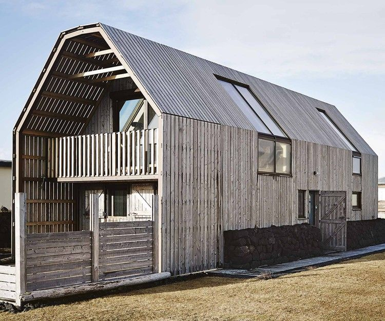 A Nordic Barn In Iceland Is Now The Perfect Modern Home Homes To Love In 2020 Scandinavian Architecture Barn Style House Architecture