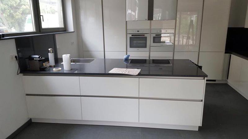 Aufmaß, Lieferung und Montage der #Granitplatten und #Granit - arbeitsplatten granit küche
