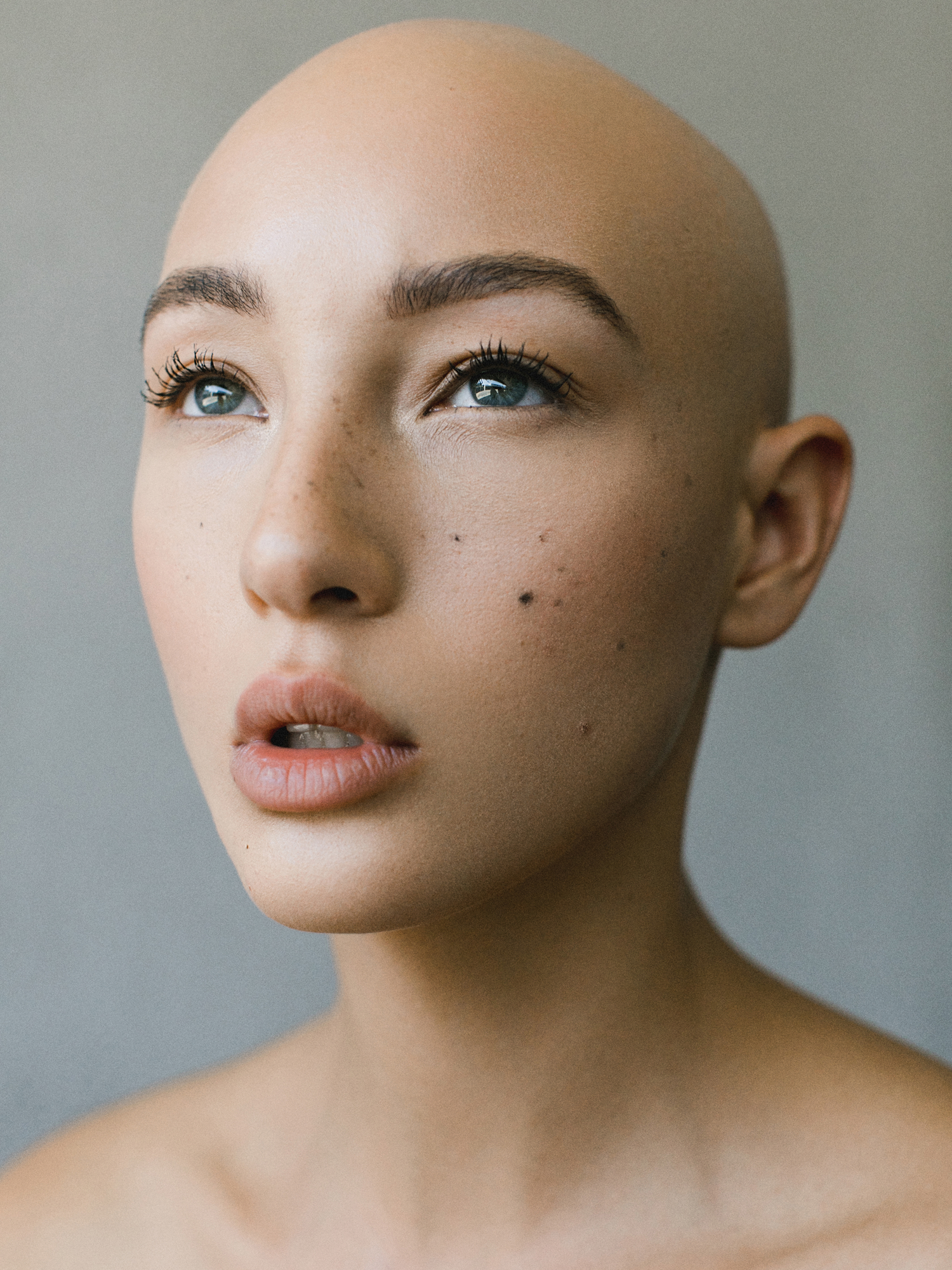Lookslikefilm Join The Most Exciting Photography Community Now Bald Head Women Bald Head Girl Bald Girl