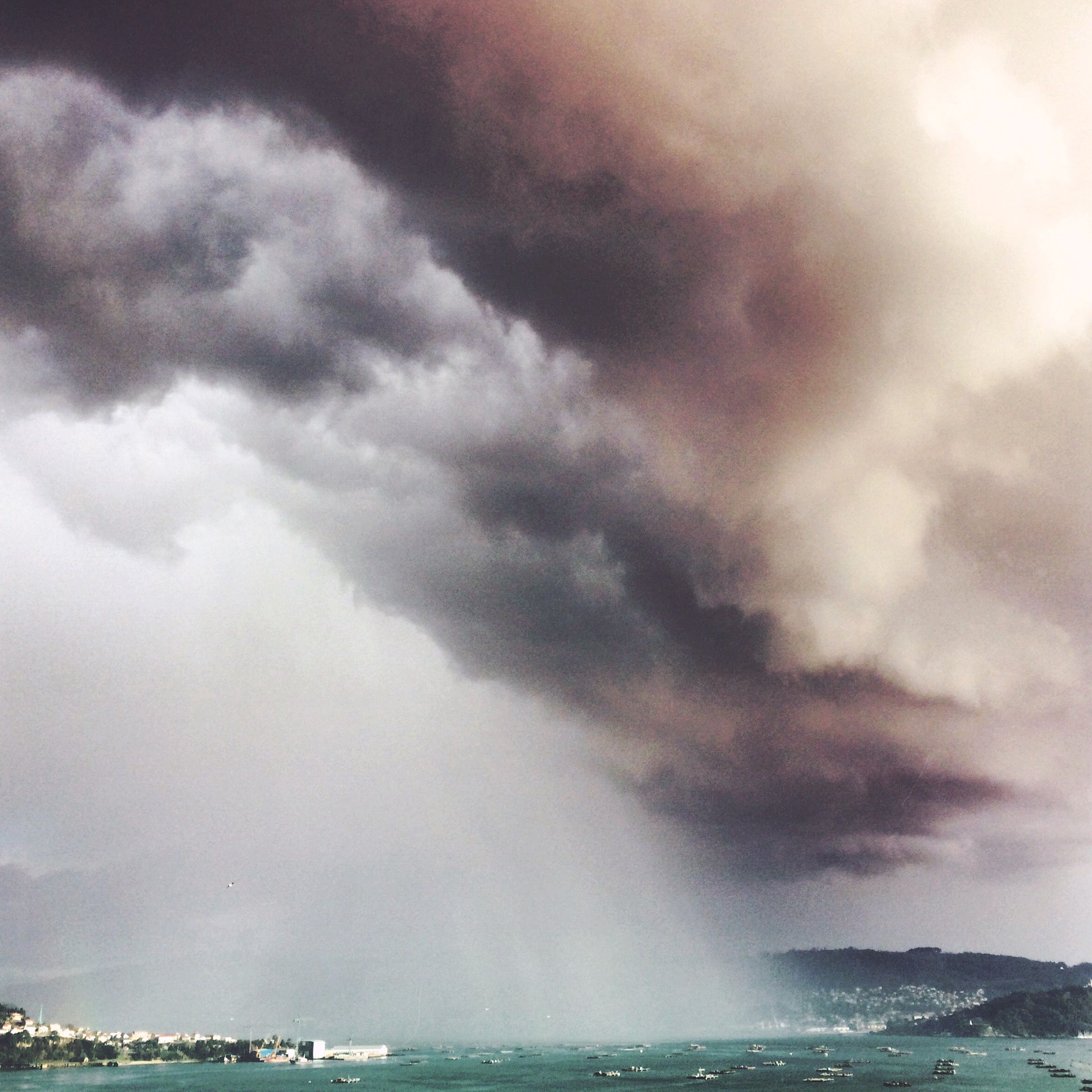 A Storm Approaches.  Photo by Instagram user andreshermelo.  #olloclip #wideangle #storm