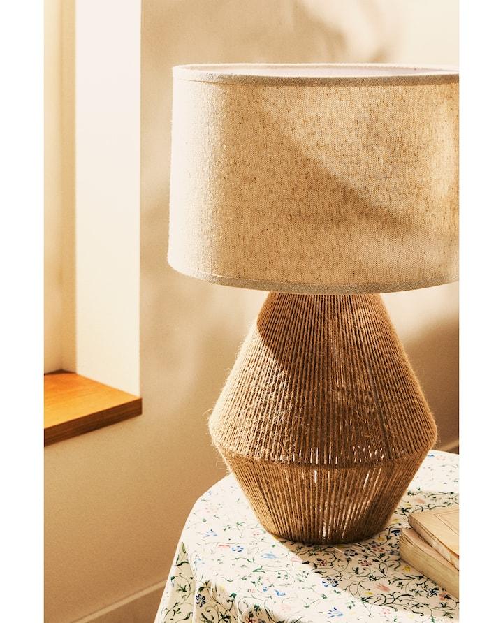 Bild Des Produktes Lampe Mit Jutefuss In 2020 Lampe Beleuchtung Wohnzimmer Einbauleuchten