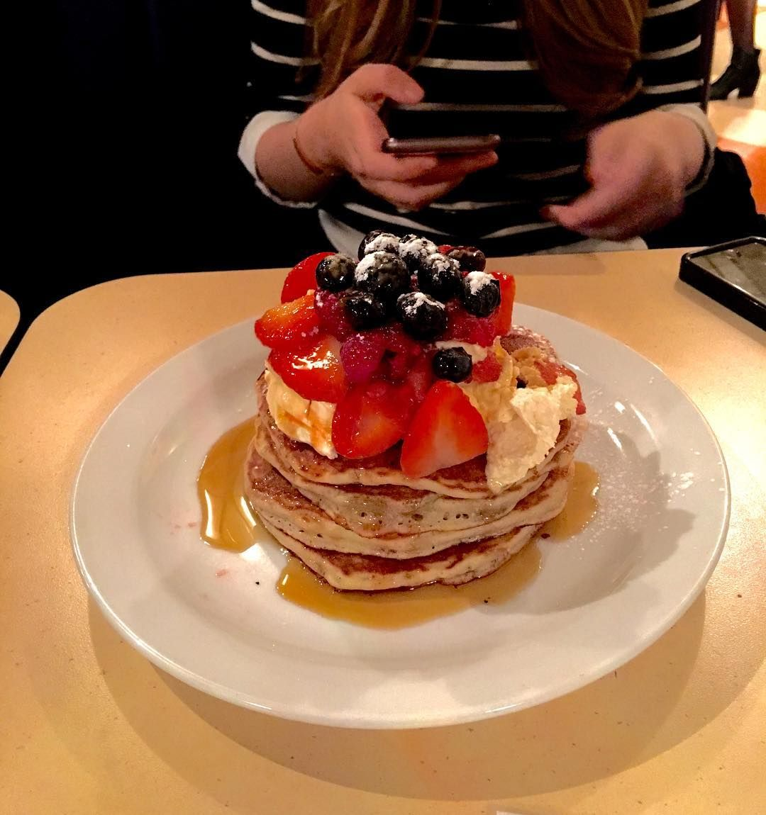 It's #Pancakes #Day tomorrow! #MrFD will be making the most of it with a visit to #CoventGarden to one of the best #Pancake places in #London!  #picoftheday #food #foodporn #foodie #instafood #instagram #instagood #iphone #date #datenight #girl #fruit #eat #cleaneating #eatclean #cheatday #american #city #breakfast #breakfastclub by mrfinedining