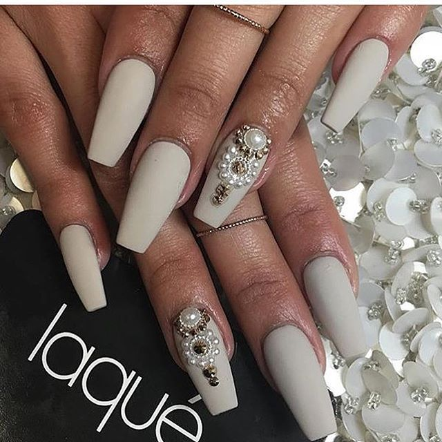 Pin de aaliya fyzool en Prom 2017 | Pinterest | Diseños de uñas ...