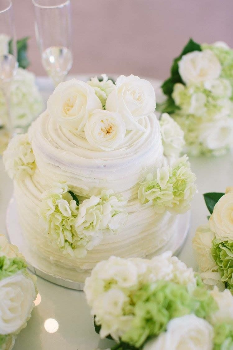 Wedding cake - also published in the Knot Magazine