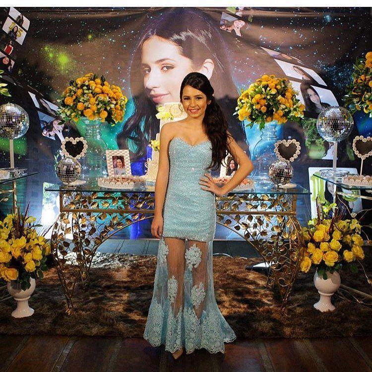 Os looks arrasadores da festa de 15 anos da Bianca Paiva   Capricho ... 5c3dc9e194