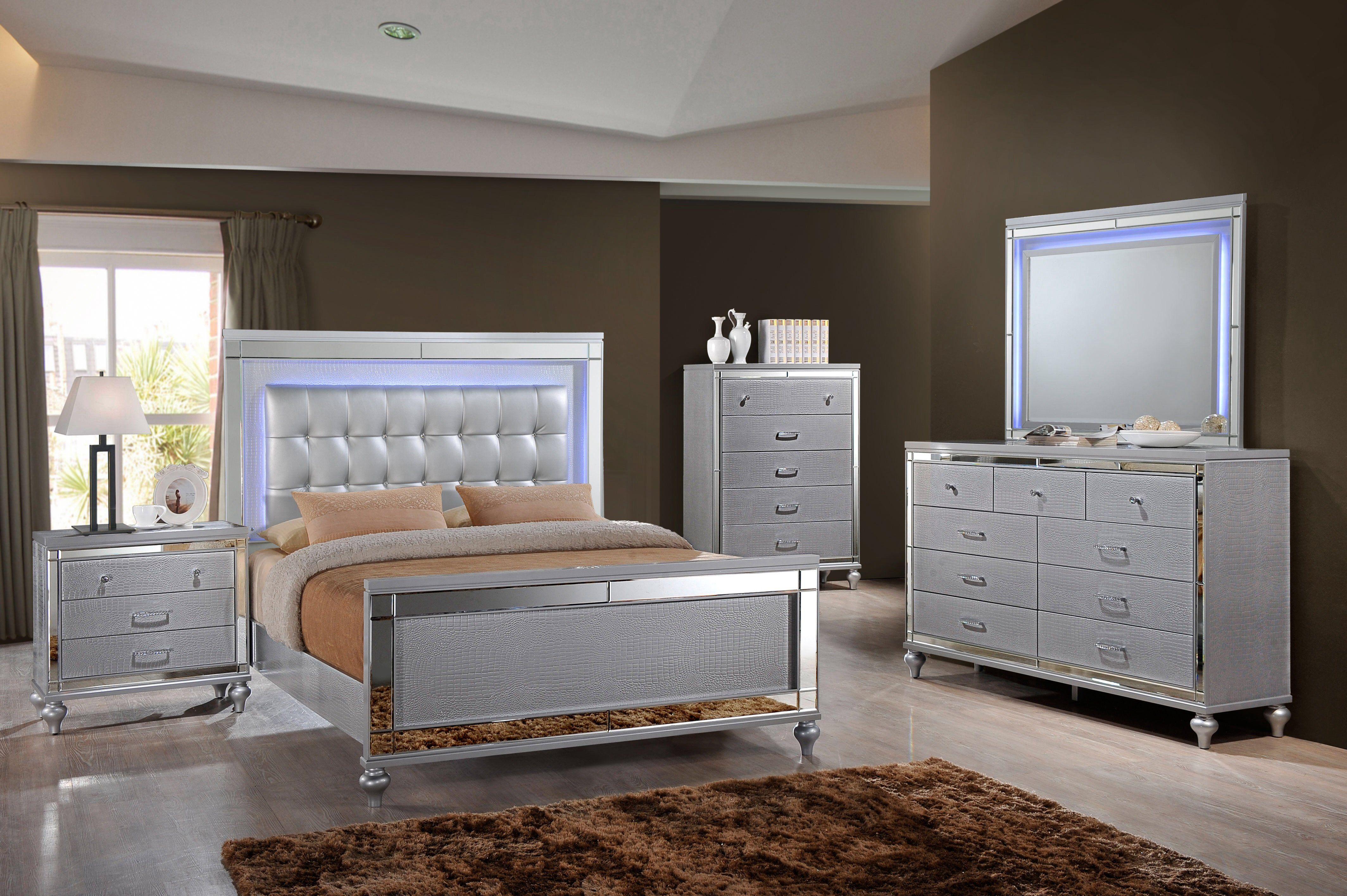 Weekly Or Monthly Led Lit Valentino Silver Aligator Queen Bedroom Group Bedroom Set Bedroom Design Bedroom Sets