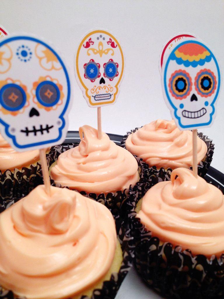 Sugar Skulls Cupcakes With Images Skull Cupcakes Sugar