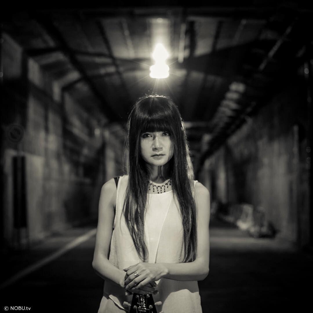 #girl #love #monochrome #night #rock #flying v #mysterious #leica #m9