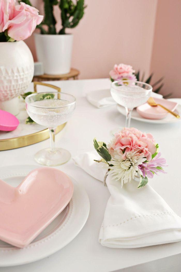 Tisch Dekorieren, Serviettenringe Mit Blumen Selbst Basteln, Frühlingsdeko