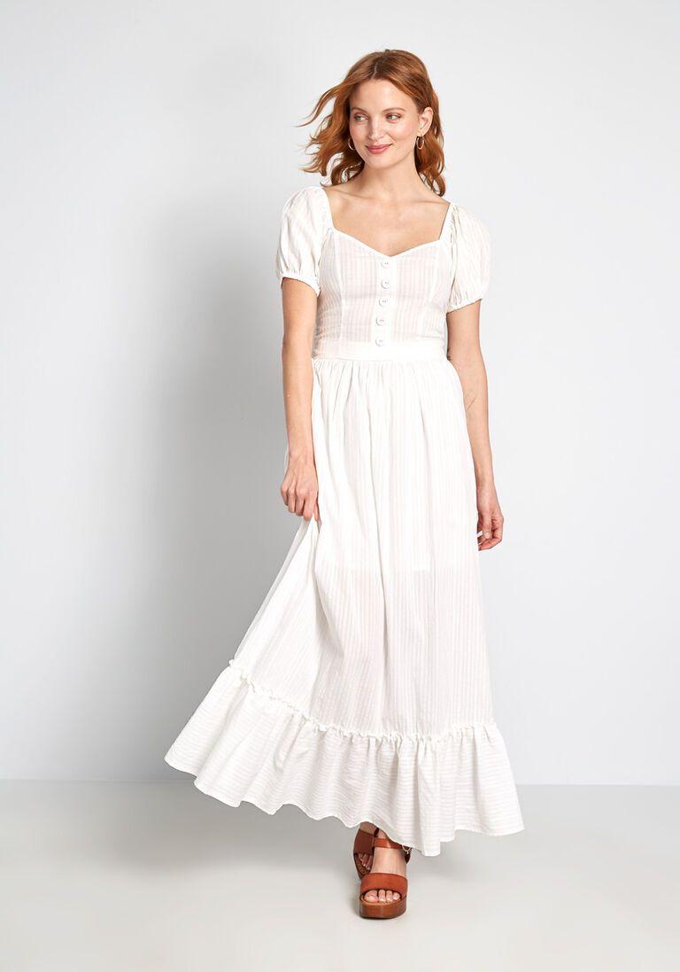 Prairie Much So Maxi Skirt In 2x Full Skirt By Modcloth White Flowy Dress Boho Chic Wedding Dress White Maxi Dresses [ 1097 x 768 Pixel ]