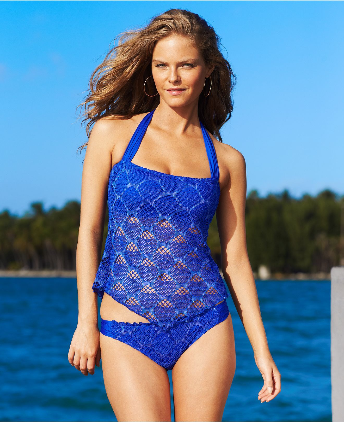 At Swimsuits For All, we know how important it is to have a tankini that's comfortable, flattering and fashionable. With our styles, that's exactly what you'll get. Tankinis offer the look of a one piece with the functionality of a two piece.
