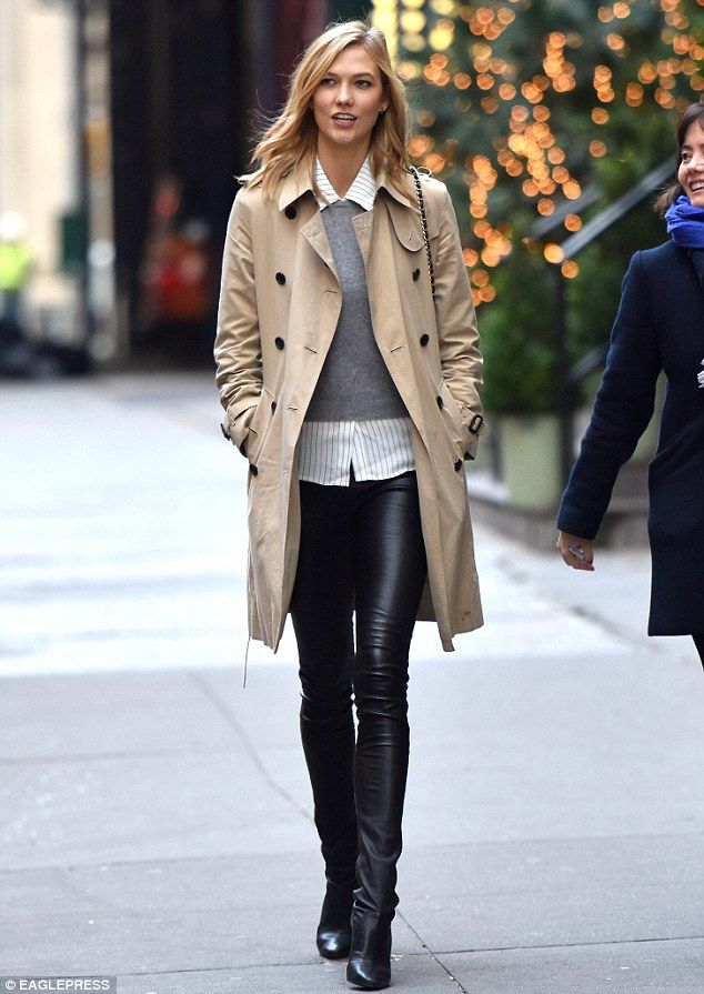 Karlie Kloss Spotted Leaving Taylor Swift S Nyc Apartment