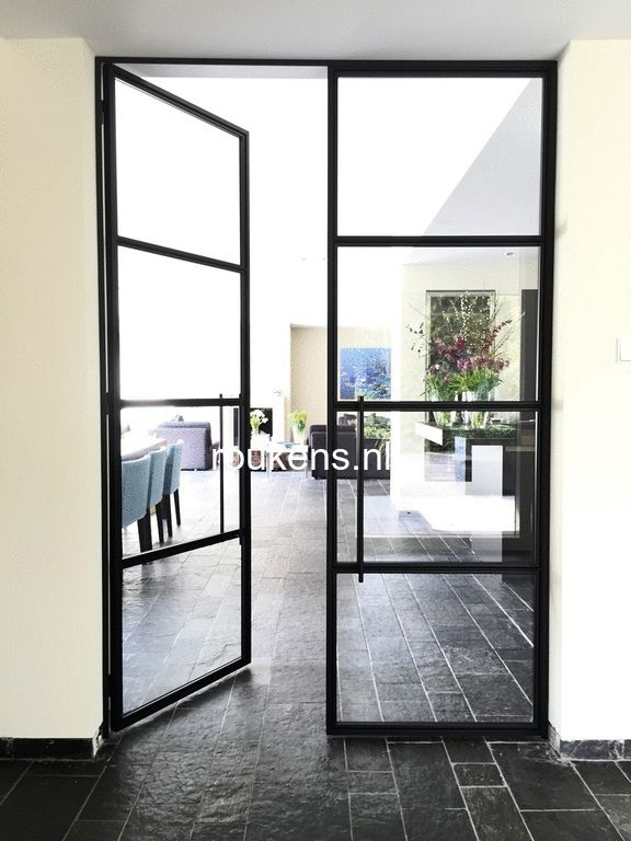 Steellife by roukens stalen deuren taatsdeuren en scheidingswanden met glas roukens - Glazen ingang ...