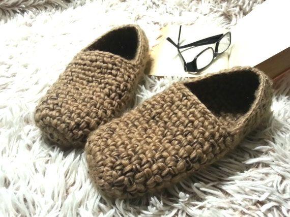 02dcf034bb049 Crochet slippers for him, Gift for men, mens slippers, cozy, yarn ...