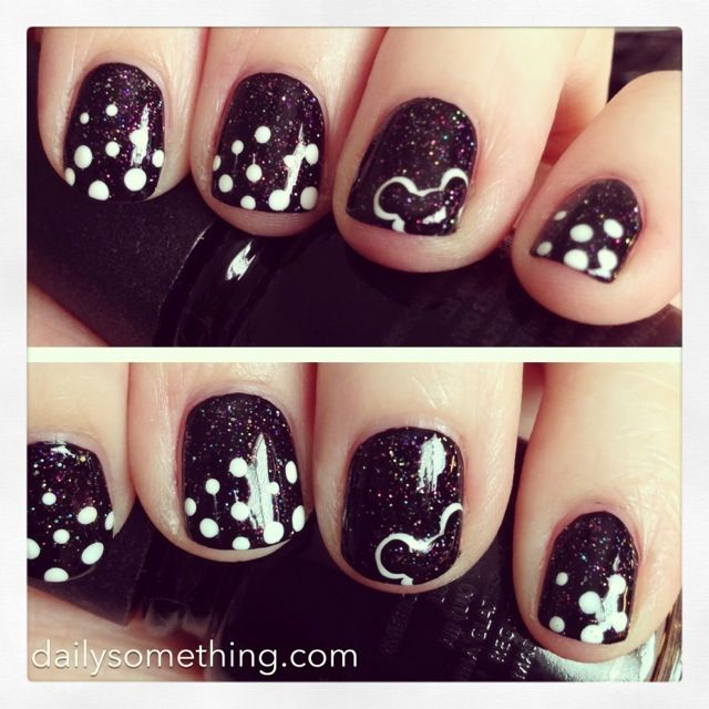 Disneyland Manicure #1 (Dots & Mickey Mouse) | Mickey Mouse nails ...