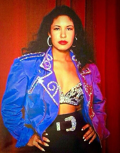 Rare photo of Selena's 1993 Live album without the ...