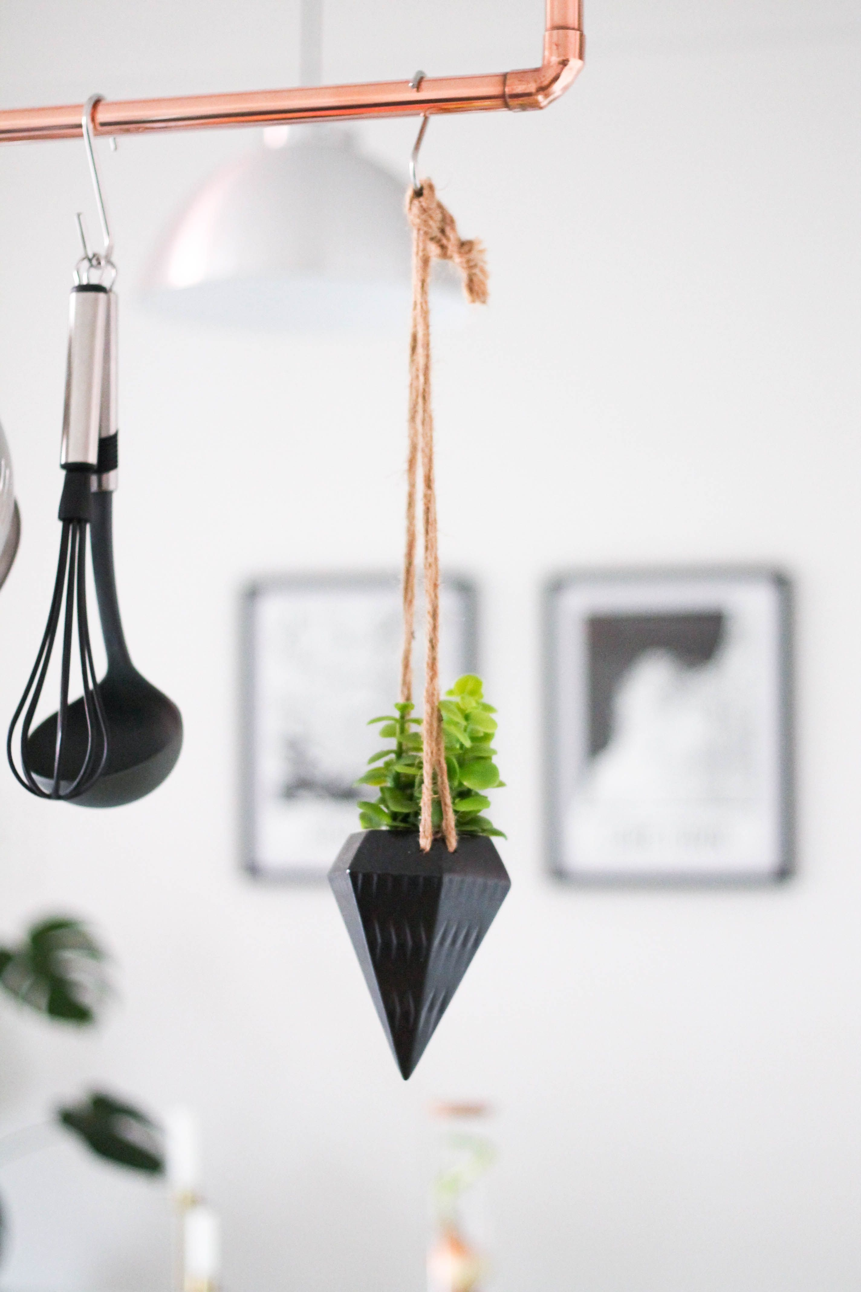 A modern copper kitchen hanging rack you can diy