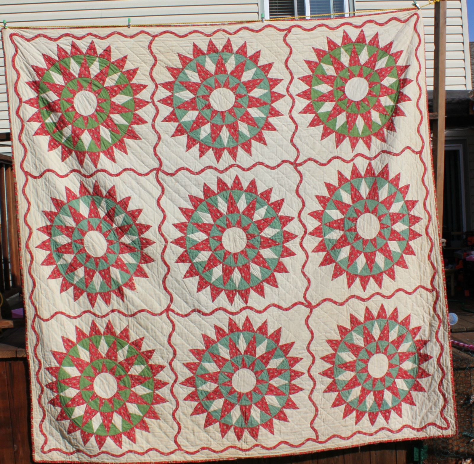 Early antique us mariners compass star quilt red and green