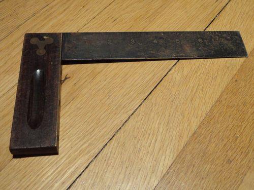 Antique Stanley Carpenter S Square 20 8 L Tool L Ruler Find Me At Www Dandeepop Com Carpenterssquare Dandeepop Esquadro