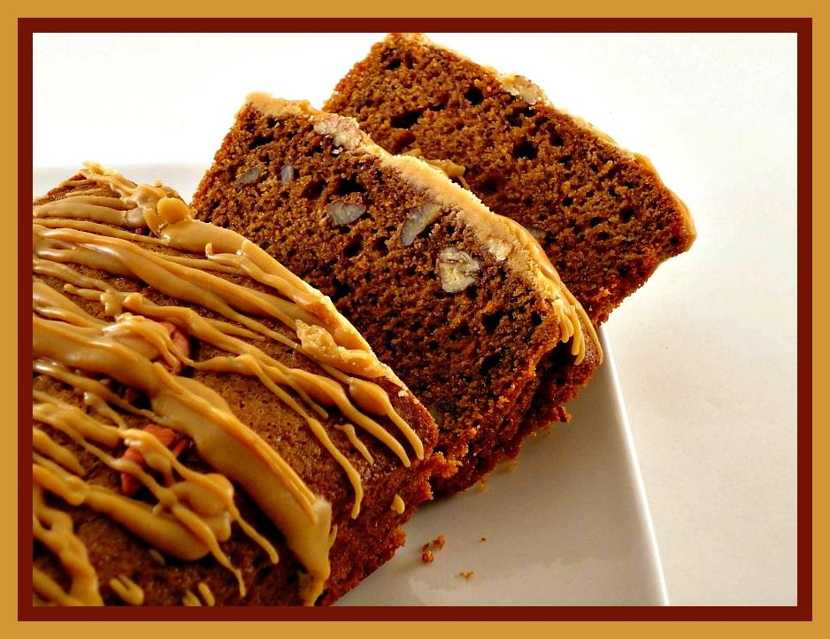 Major Cake's Kitchen Affair Coffee Cake with Pecans